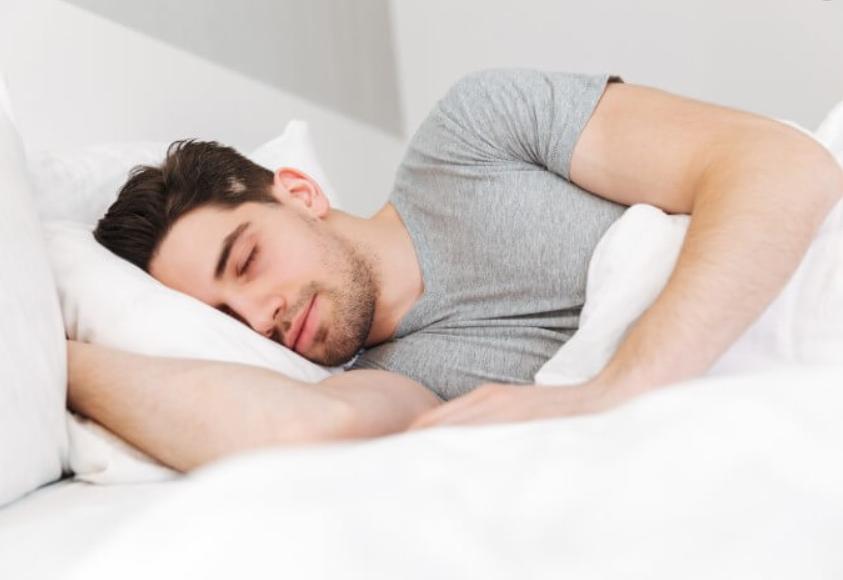 睡眠で発毛効果がアップする?